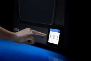 BCN3D_Epsilon_3D_Printer_touchscreen_5_inches_user_friendly